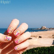 Caesarea neon nails
