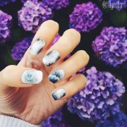 Grey scale one stroke nails